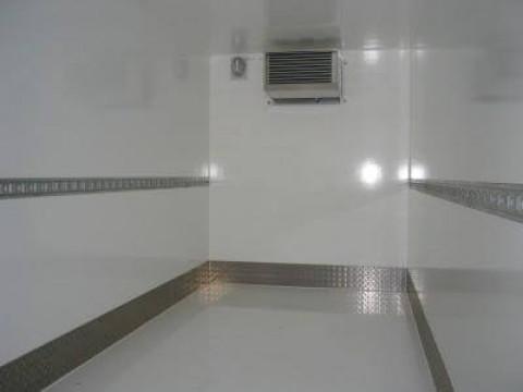 X1 - Frozen box trailer (interior view)
